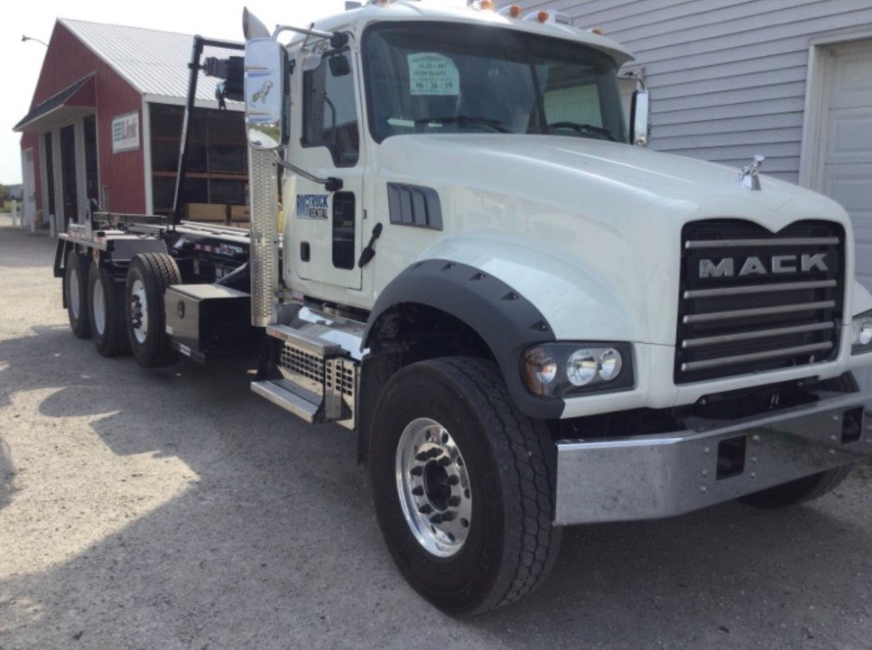 2020 Mack, Pete, or Freightliner, with Galbreath roll off