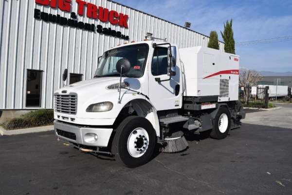 2008 Freightliner M2 Elgin Broom Bear Sweeper