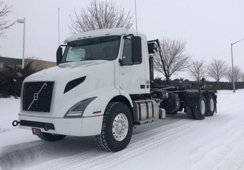 NEW 2019 Volvo VNR64T300 Hooklift