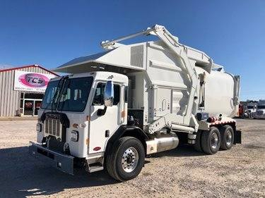 NEW 2020 Pete 520, 40 Yd Amrep HX450 front loader